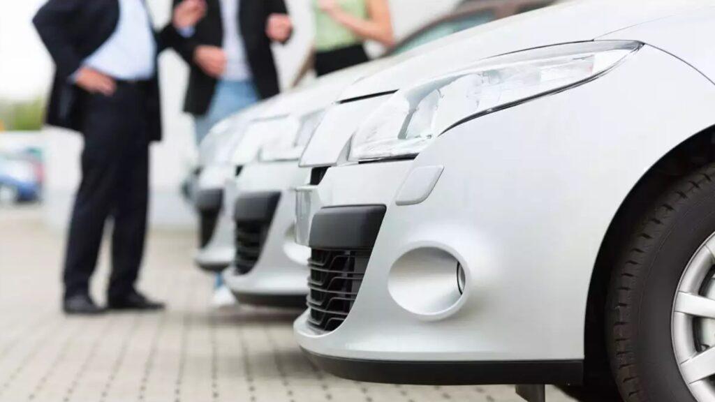 Перекупщики продают автомобиль
