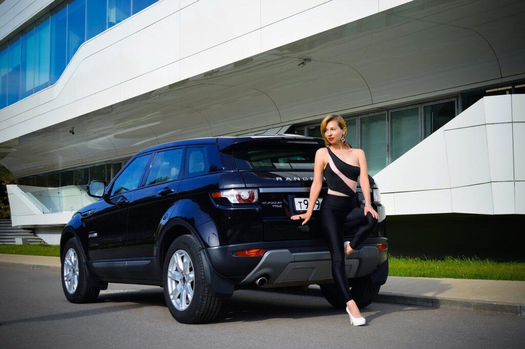 Кроссовер Range Rover