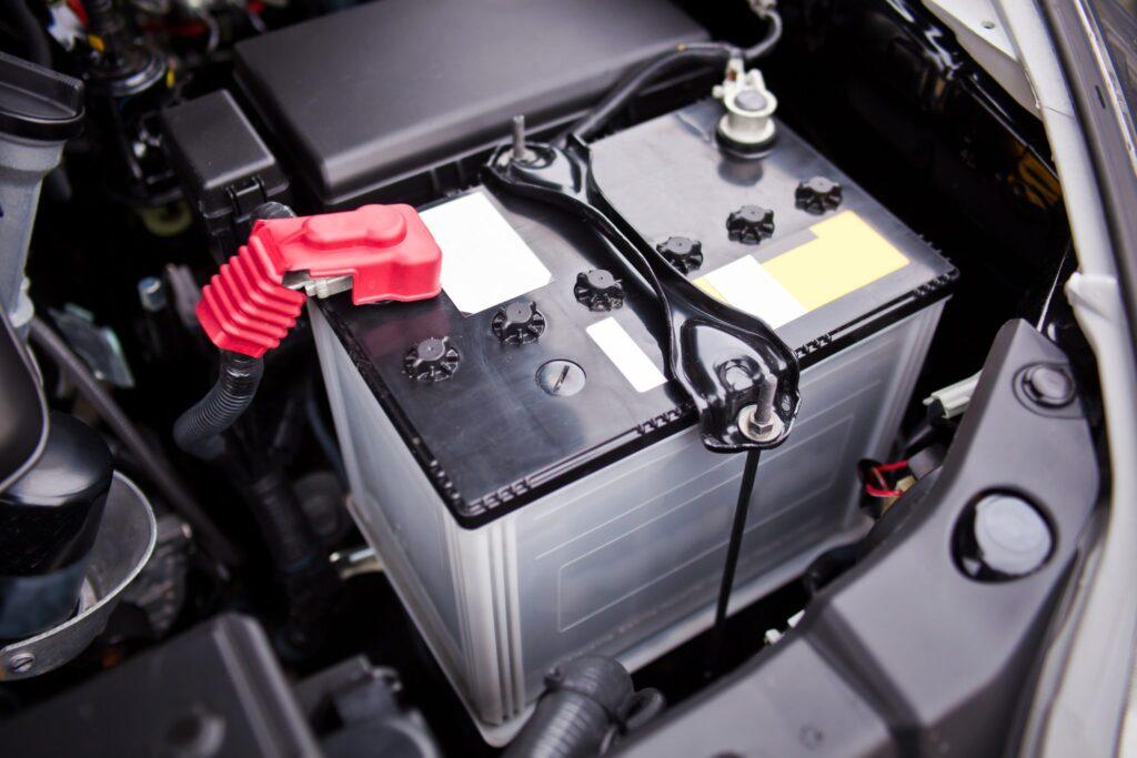 Новый автомобильный аккумулятор
