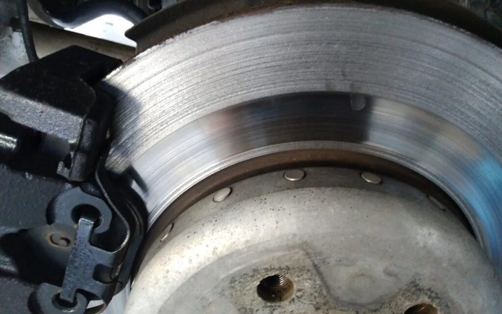 Изношенный тормозной диск