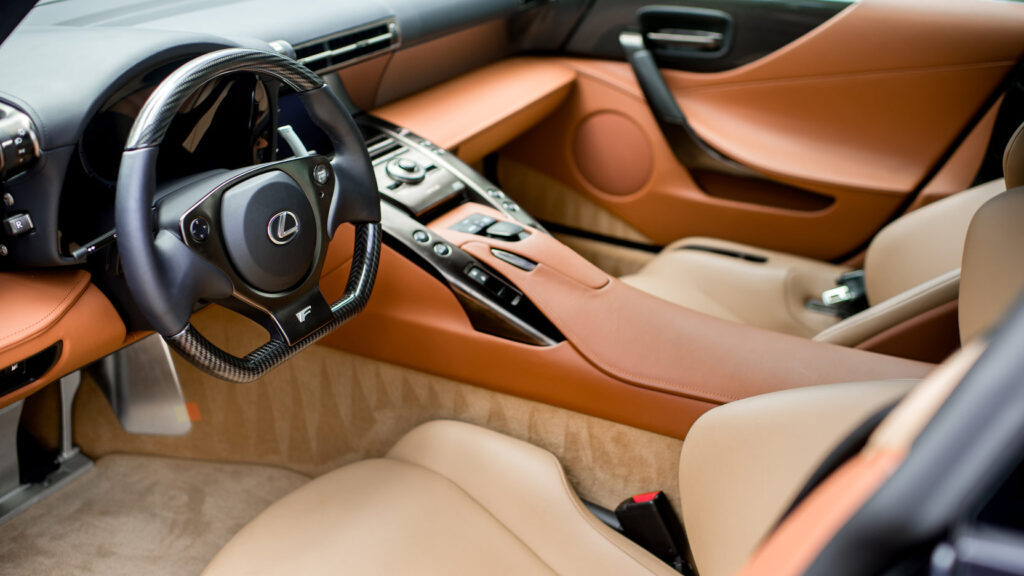 Lexus LFA интерьер