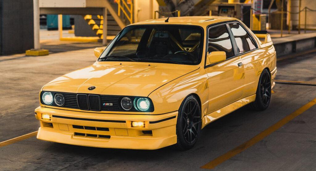 BMW e30 желтый