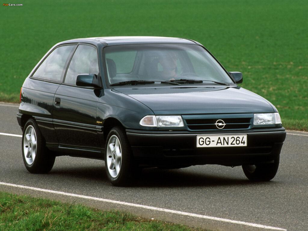 Opel Astra 1 поколения