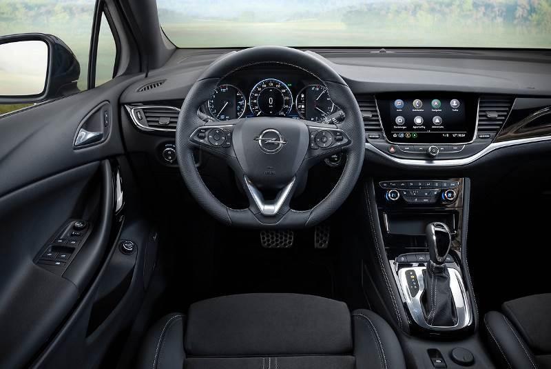 Opel Astra interrior